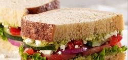 Sandwiches with Bran Quark, Pepper and Cucumber